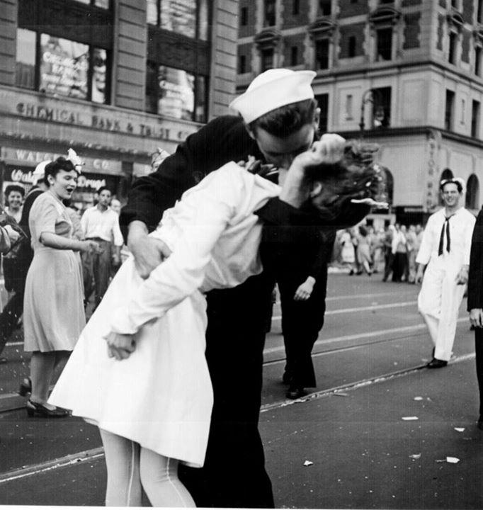 Chàng lính đồng mình hôn ngày đình chiến