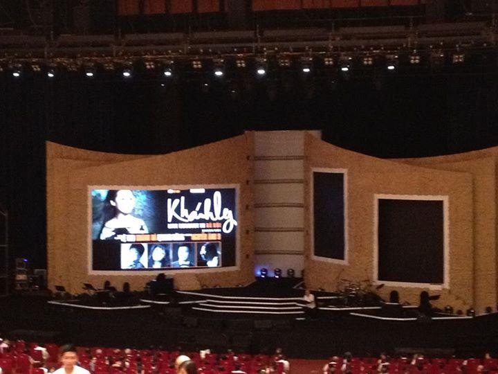 Sân khấu rất đẹp và nghệ thuật