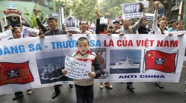 Và biểu tình ở VN