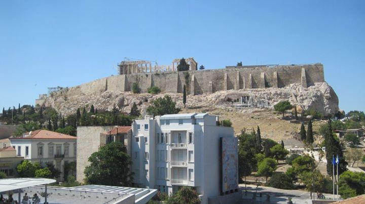 Acropolis nhìn từ Bảo tàng!